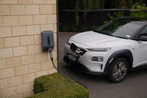 W ubiegłym miesiącu aż co piąty sprzedany samochód w Unii Europejskiej był zelektryfikowany