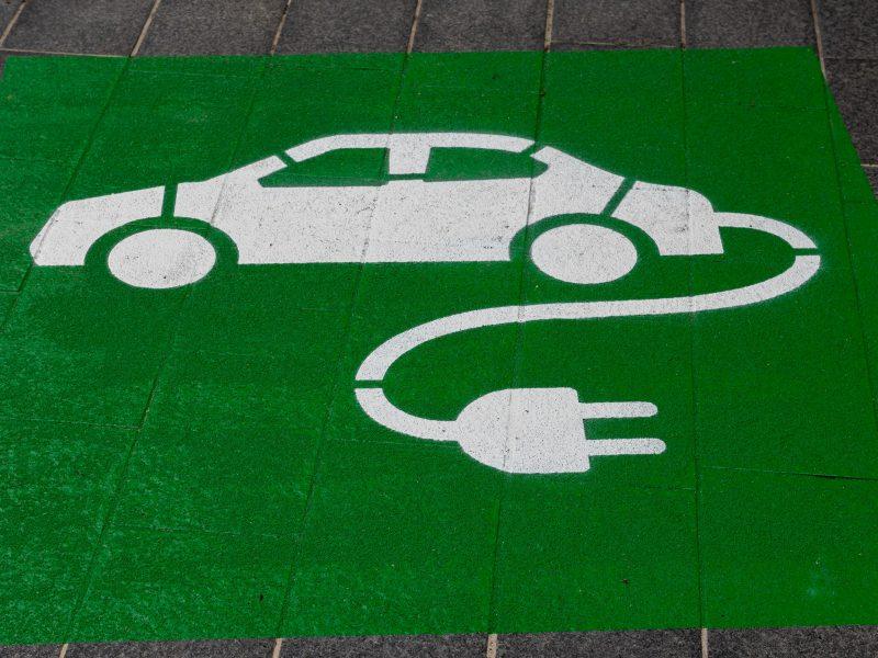 Czy Polacy kupują samochody elektryczne?