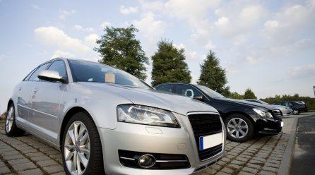 Rejestracja pojazdu z kierownicą po lewej stronie – krok po kroku