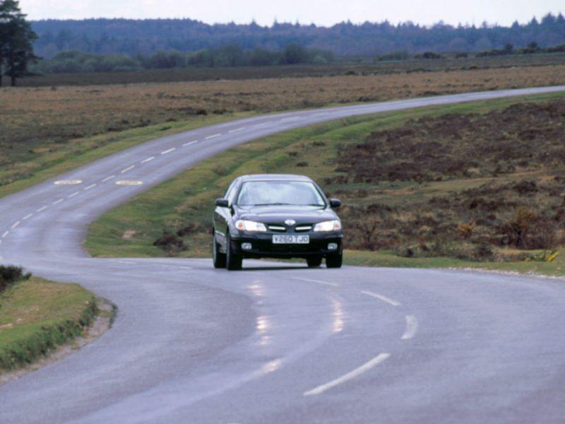 Za ile najtaniej można kupić sprawny samochód na dojazd do pracy? Sprawdzamy!