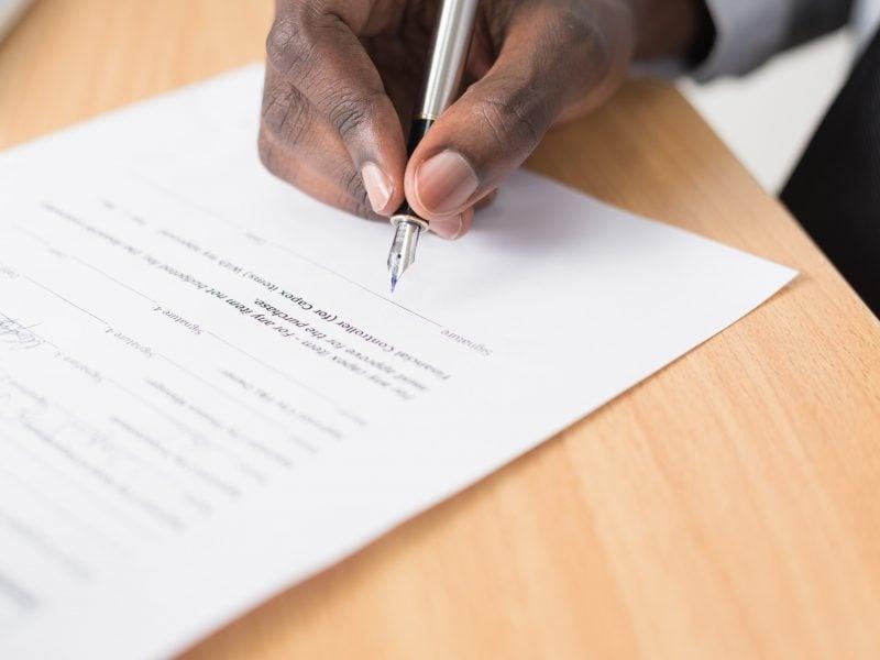 30 dni na rejestrację samochodu – stare przepisy i nowe problemy kierowców