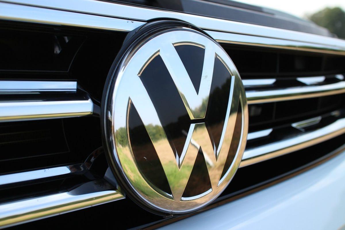 Dostawcze pojazdy do 60 000 złotych – nowe czy używane?