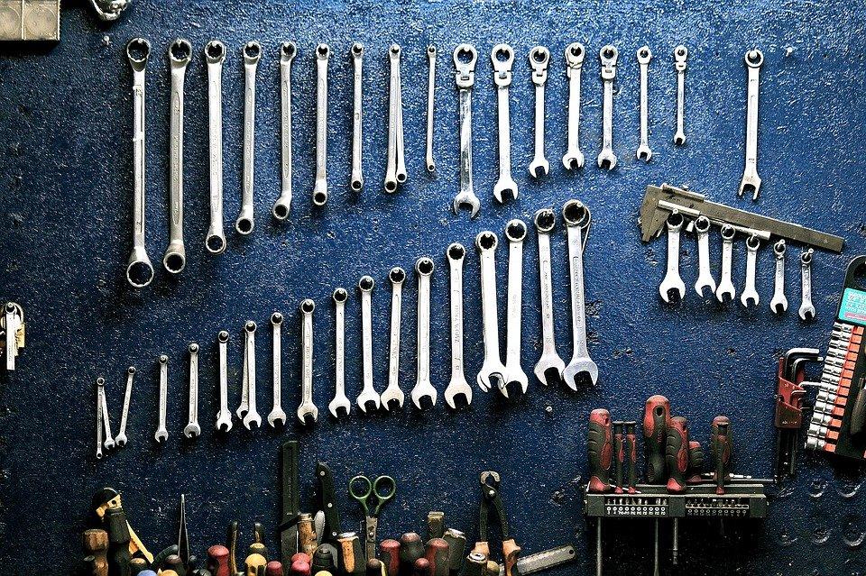 Narzędzia, które powinien posiadać każdy mechanik