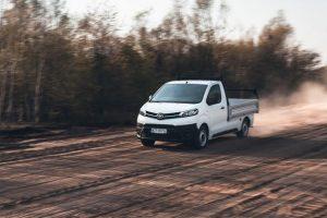 Toyota przedstawiła nową zabudowę skrzyniową modelu PROACE