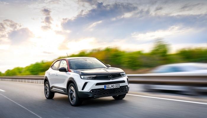 """Opel Mokka: rusza kampania pt.""""Mniej jak jazda testowa. Bardziej jak moc wrażeń"""""""