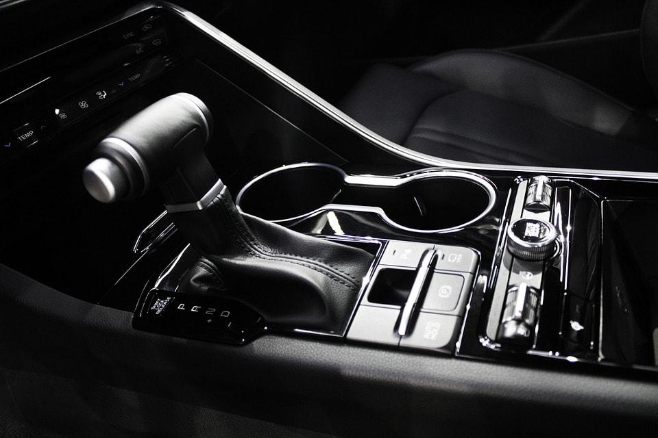 Wymiana oleju w skrzyni automatycznej – kiedy trzeba to zrobić?