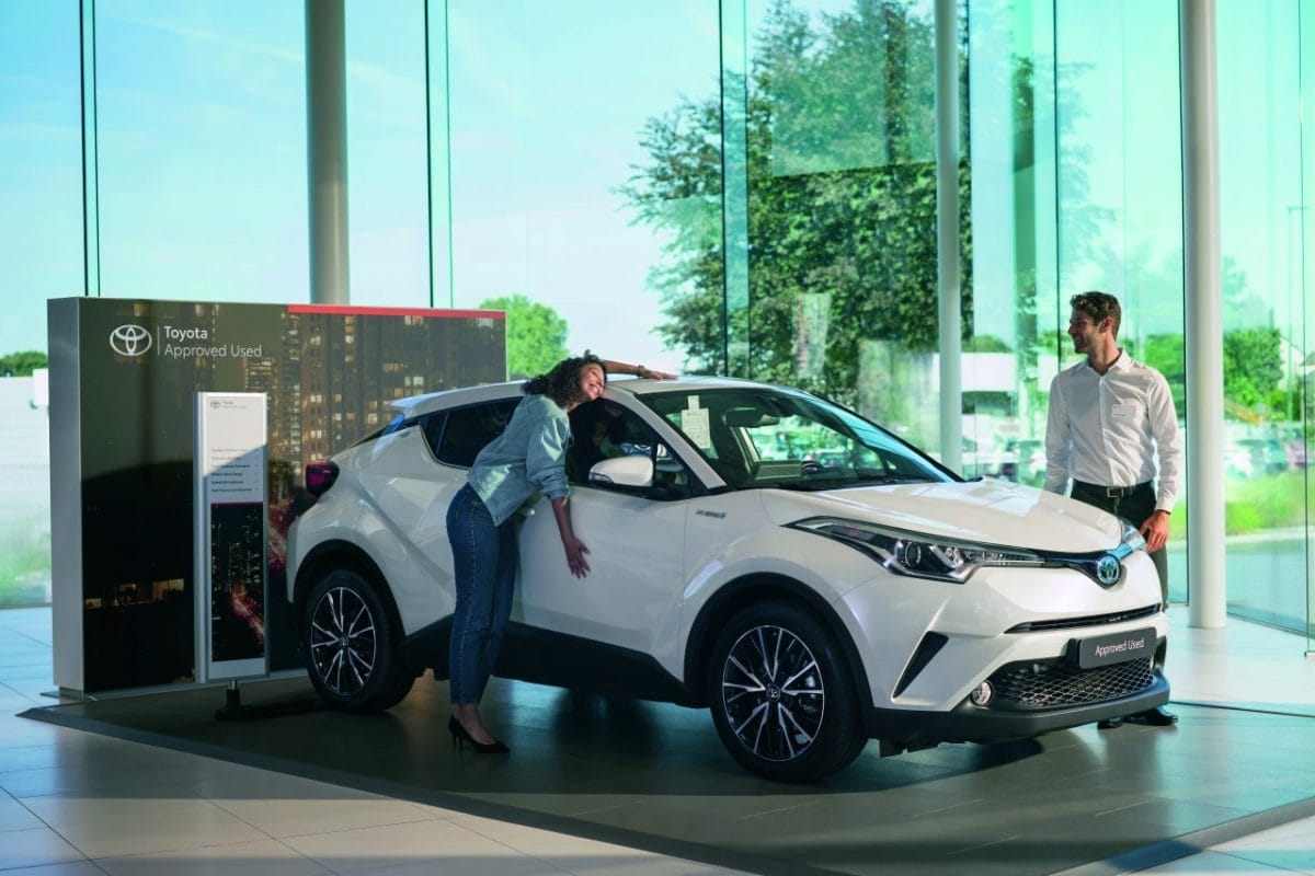"""Sukces programu """"Pewne Auto"""". W sieci komisów Toyoty sprzedaż używanych aut wzrosła o 50%!"""
